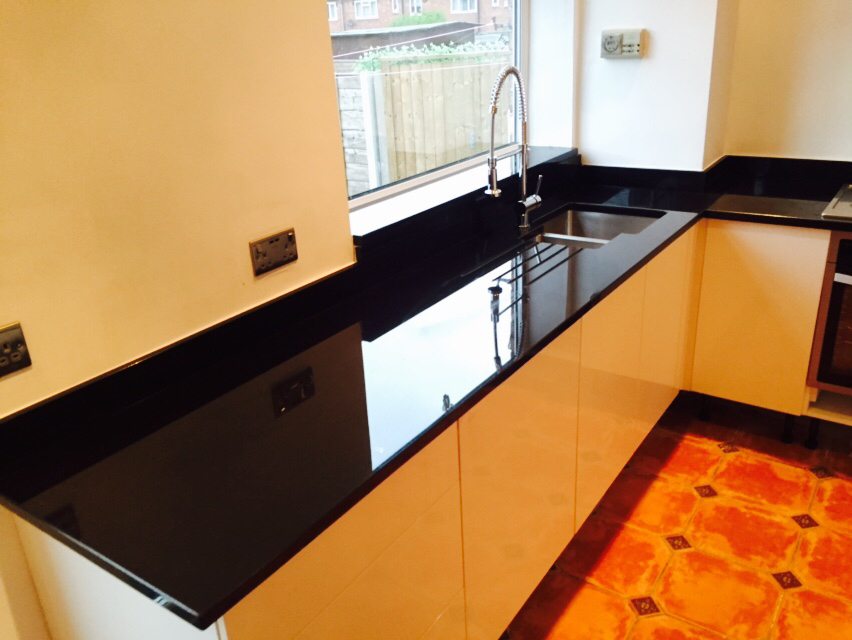 Man made worktops silestone detail quartz worktops for Man made quartz countertop